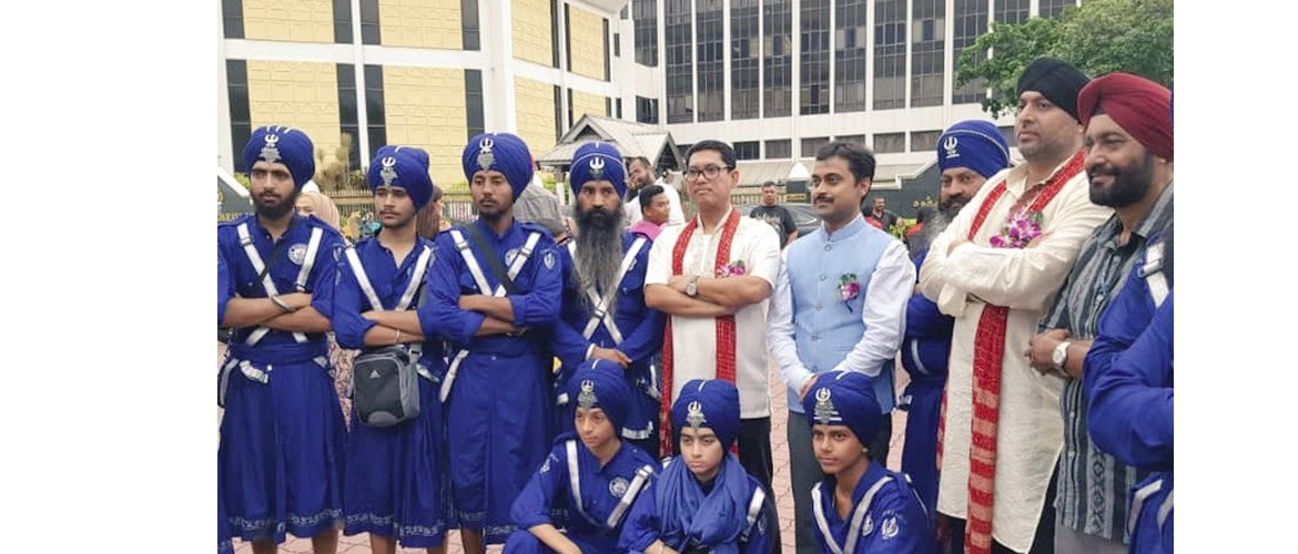 Counsellor Mr. Nishit Kumar along with Menteri Besar of Perak Dato' Seri Ahmad Faizal Bin Dato' Azumu, joined around 8000 Sikh diaspora members in grand Baisakhi celebrations in Ipoh.